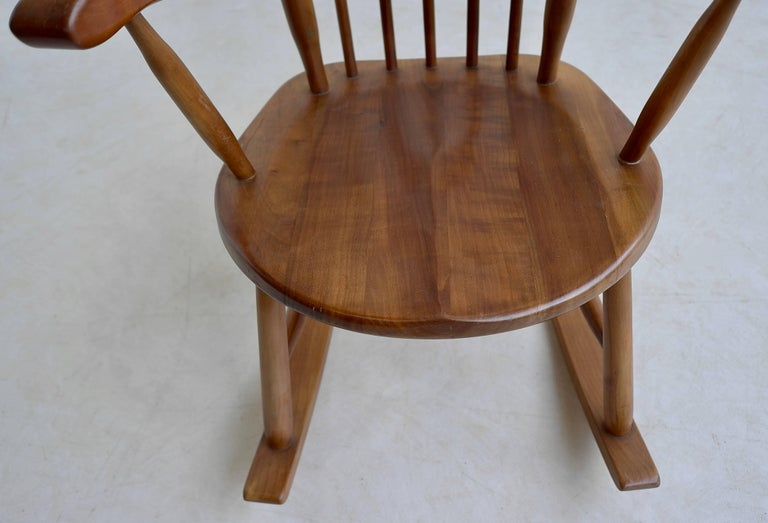 Organic Rocking Chair in Style of George Nakashima In Good Condition For Sale In The Hague, NL