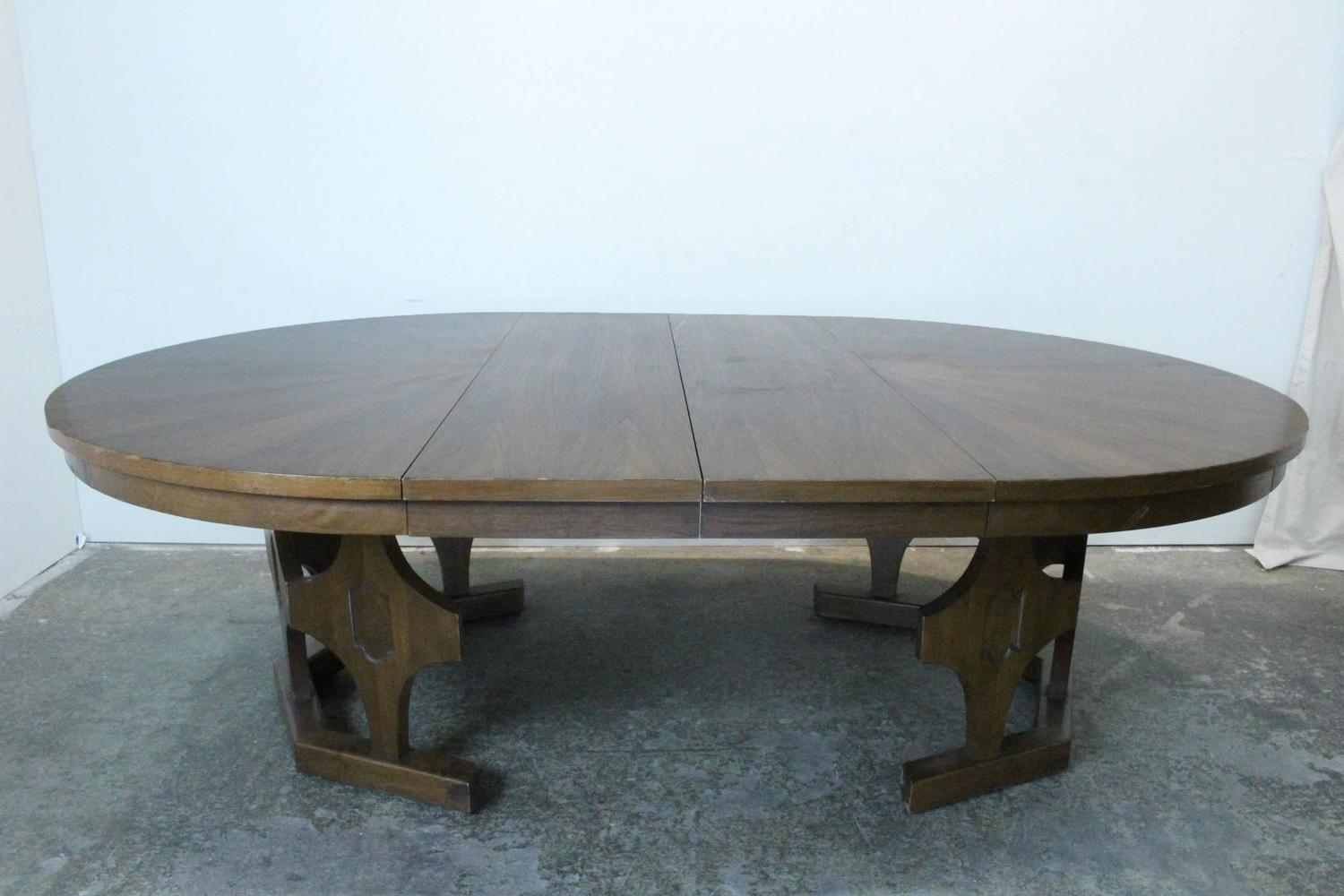 1960s mid century expandable round walnut dining table at 1stdibs. Black Bedroom Furniture Sets. Home Design Ideas