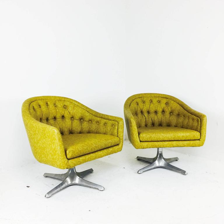 Terrific Pair Of Mcm Chromcraft Swivel Chairs With Propeller Pedestal Base Home Interior And Landscaping Mentranervesignezvosmurscom