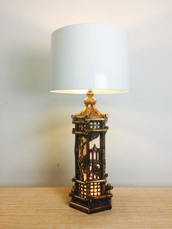 Mid-Century Modern Pair of Chinoiserie Gold Lamps in the Style of James Mont For Sale