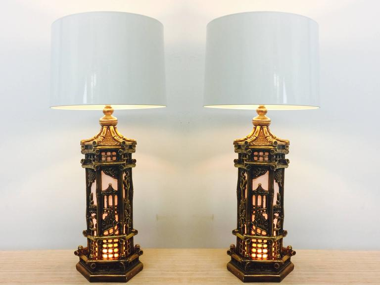 Pair of Chinoiserie Gold Lamps in the Style of James Mont In Good Condition For Sale In Dallas, TX
