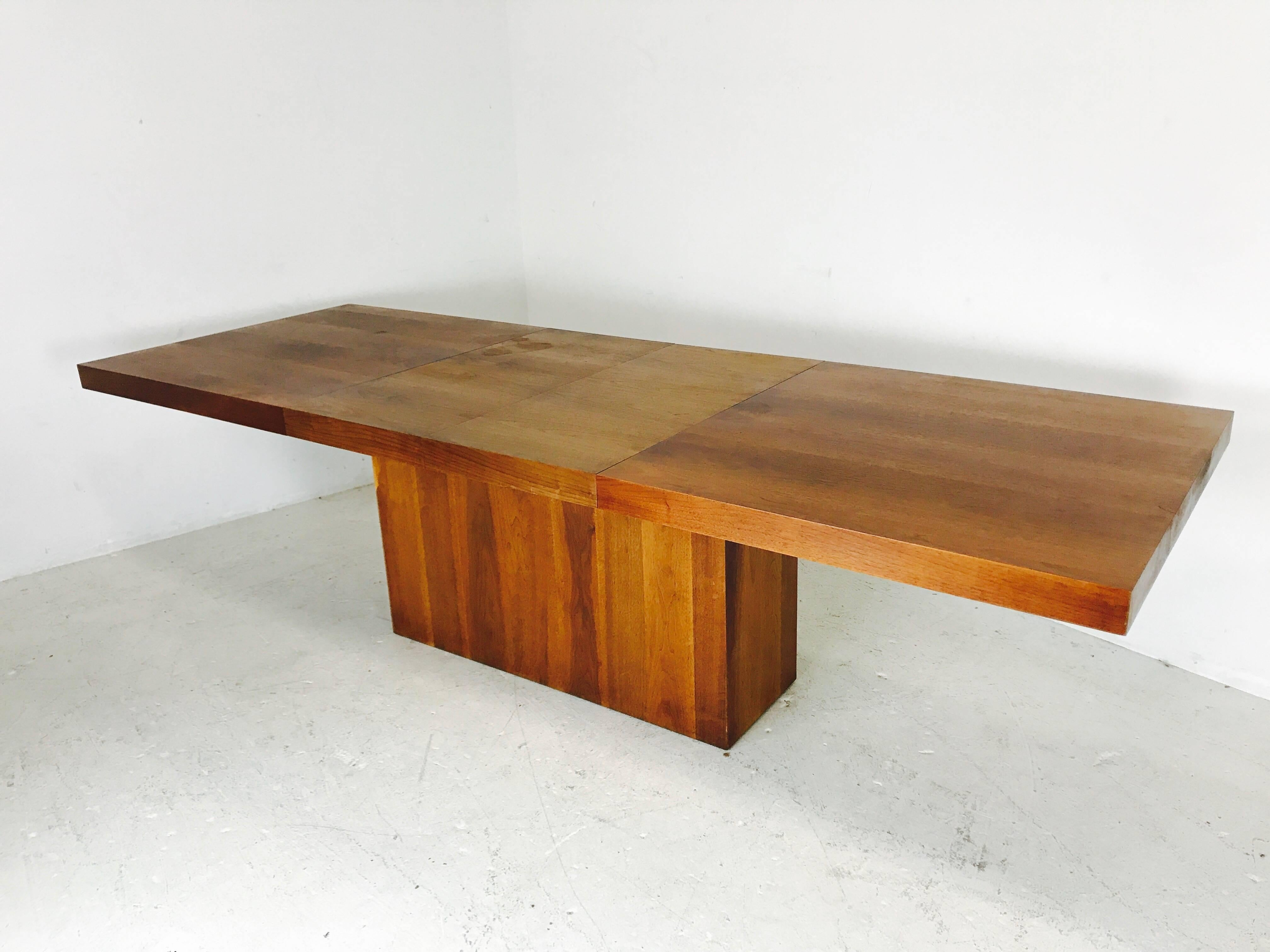 Walnut Dining Table With Leaves By Milo Baughman For Dillingham At