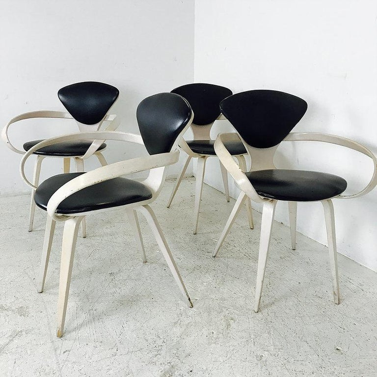Set of Four Cherner Armchairs for Plycraft In Good Condition For Sale In Dallas, TX