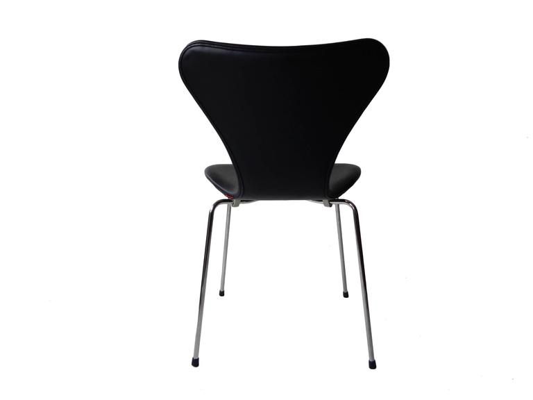Arne Jacobsen Seven Chair, Model 3107 in Original Black Leather by Fritz Hansen 4