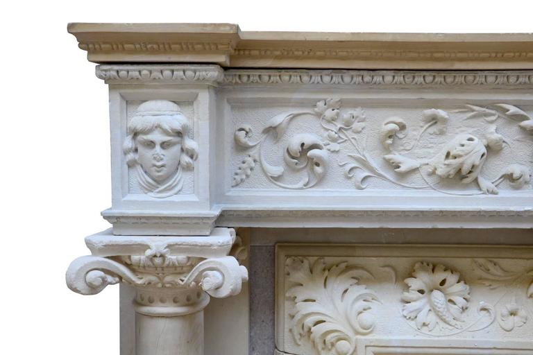 Rare Renaissance Style Stone Fireplace, 19th Century In Good Condition For Sale In Richebourg, Yvelines