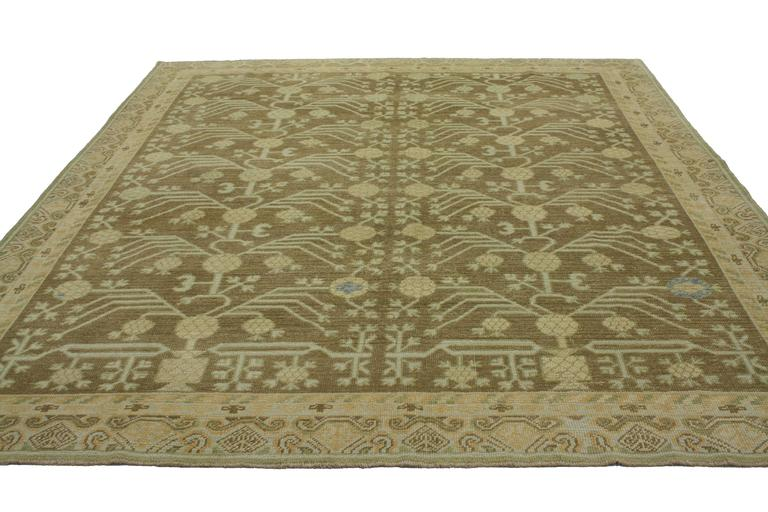 Hand-Knotted Modern Turkish Oushak Rug with Transitional Style and Khotan Design For Sale