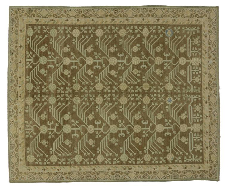 Modern Turkish Oushak Rug with Transitional Style and Khotan Design In Excellent Condition For Sale In Dallas, TX