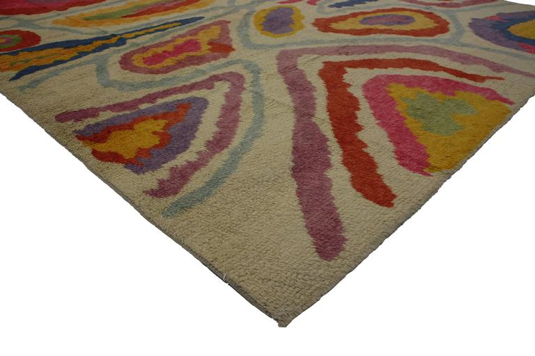 Electrify your space by filling it with color, art and playfulness found in this Modern Turkish Tulu Shag rug featuring a contemporary abstract style. Turkey's rich culture is reflected in its alluring interior design style, characterized by vibrant