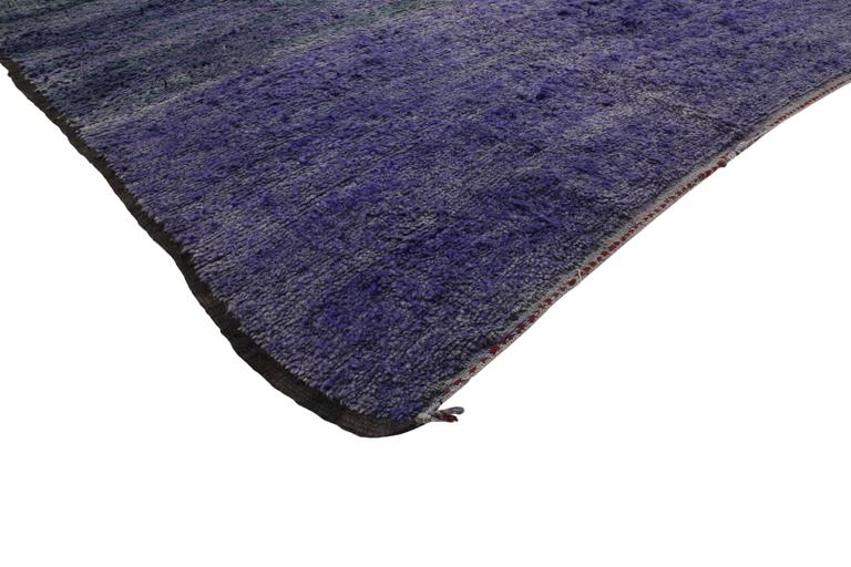 20345 Vintage Berber Purple Moroccan Rug with Postmodern Abstract Expressionist Style, Inspired by Rothko Chapel 07'01 x 14'00. Purple hues with sombre color striations combined with the plush wool pile creates an endlessly fascinating ombre effect