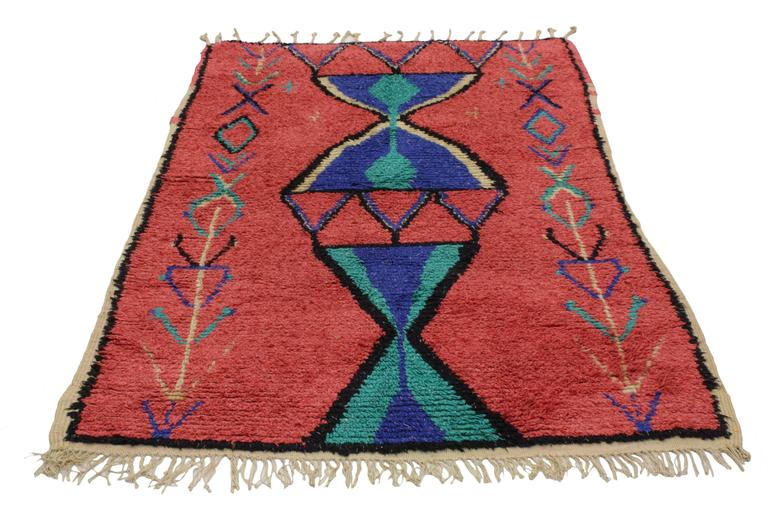 20448 Vintage Berber Moroccan Rug With Modern Tribal Design. This hand-knotted wool vintage Berber Moroccan rug features a modern tribal design. This piece is rich in ancient Berber culture, as the design displays a host of reproductive symbolism