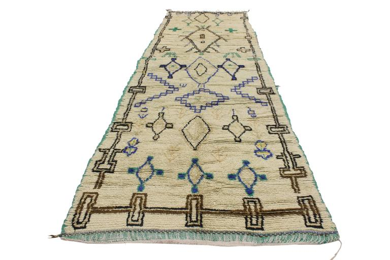 Hand-Knotted Boho Chic Vintage Berber Moroccan Azilal Rug with Modern Tribal Design For Sale