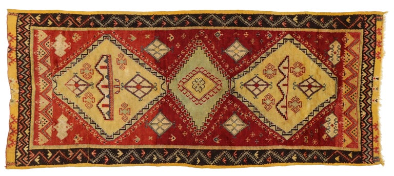 Vintage Berber Moroccan Rug with Modern Tribal Style For Sale 1