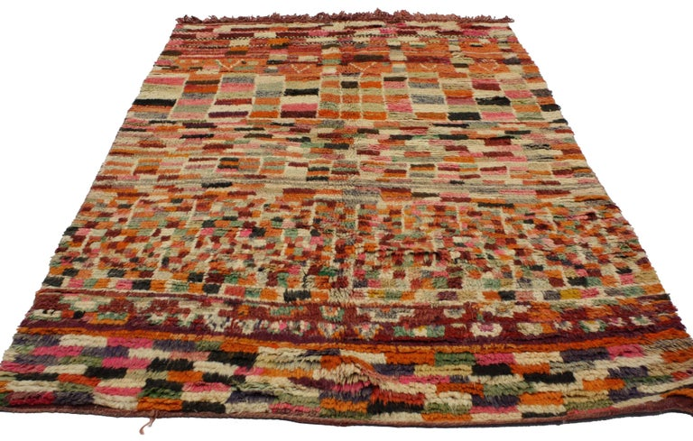 20292, vintage Berber Moroccan rug with modern abstract style. This hand-knotted wool vintage Berber Moroccan rug features a modern abstract style composed of asymmetrical square blocks and irregular cubes forming a cohesive composition. The