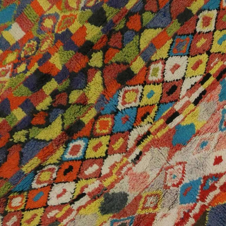 Vintage Berber Moroccan Rug with Contemporary Abstract Design In Good Condition For Sale In Dallas, TX
