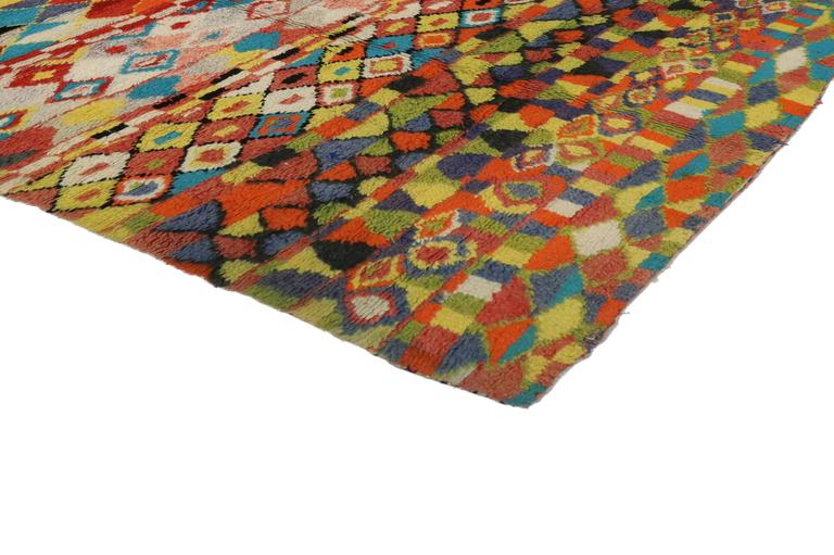 Mid-Century Modern Vintage Berber Moroccan Rug with Contemporary Abstract Design For Sale