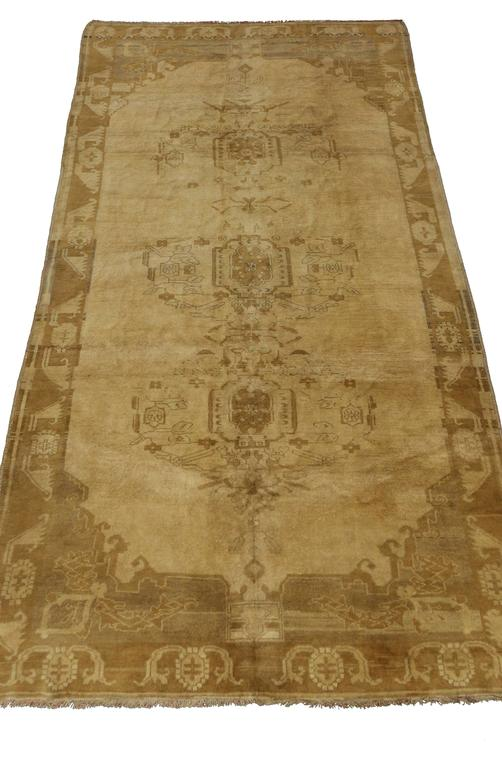 Vintage Turkish Oushak Gallery Rug, Wide Hallway Runner  In Good Condition For Sale In Dallas, TX