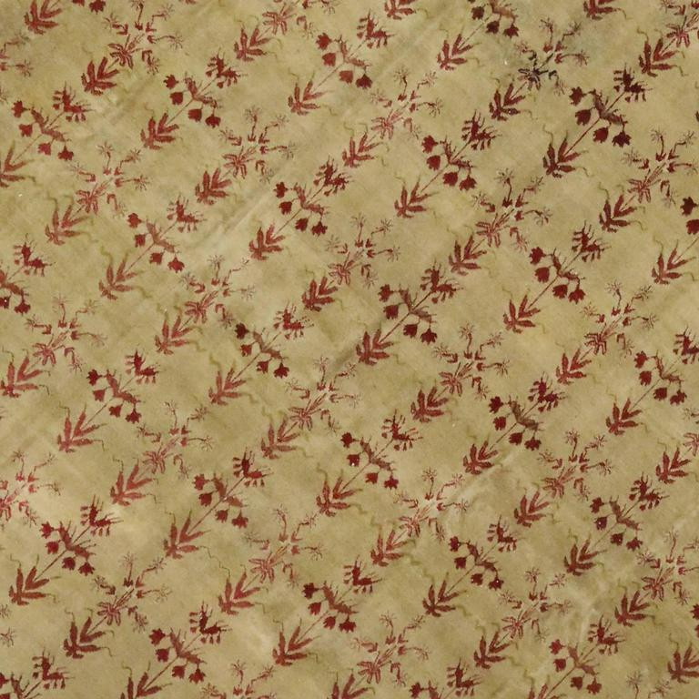 Antique Indian Agra Rug with Modern Traditional Style In Excellent Condition For Sale In Dallas, TX