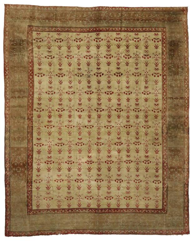 Wool Antique Indian Agra Rug with Modern Traditional Style For Sale