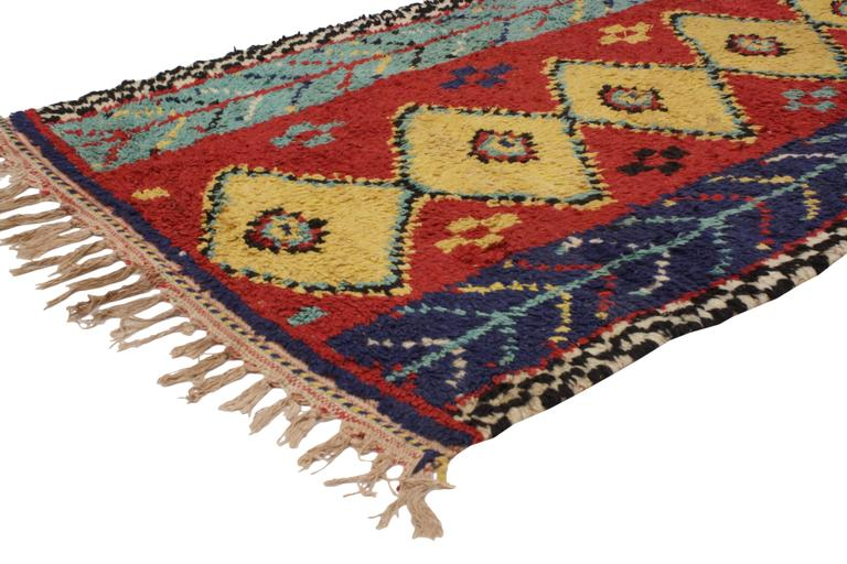 20445 Vintage Berber Moroccan Rug With Modern Tribal Style. With its stylish levels of complexity combined with Folk Art creativity, this vintage Berber Moroccan rug is an impeccable representation of the Berber Tribes of Morocco. A column of six