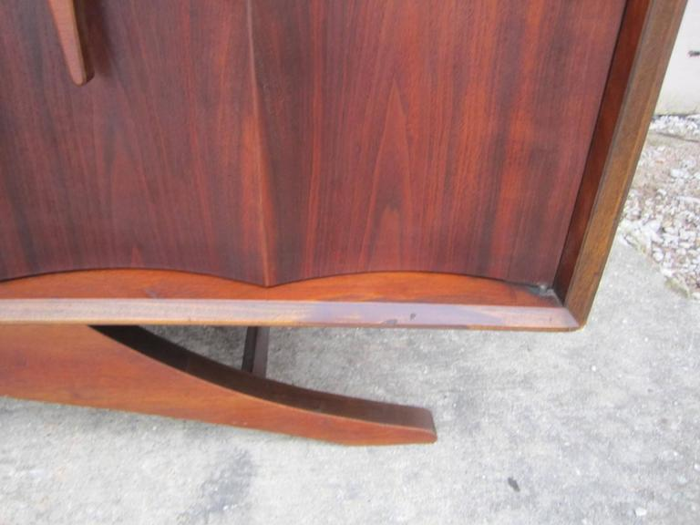 Fabulous Sculptural Walnut Credenza Mid-Century Modern For Sale 5