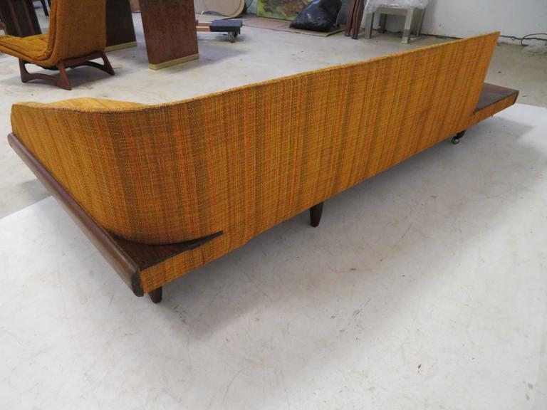 Unusual Adrian Pearsall Boomarang Sculptural Walnut Sofa In Good Condition For Sale In Medford, NJ