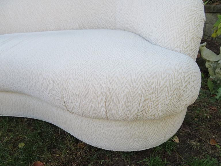 Upholstery Excellent Pair of Kagan Style Kidney Shaped Sofas Mid-Century Modern For Sale