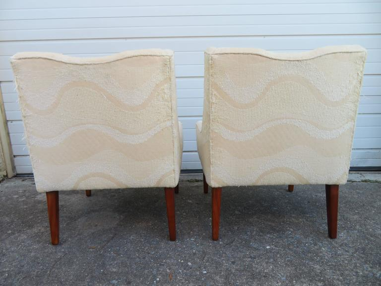 Pair of Slipper Lounge Chairs Mid-Century Modern In Good Condition For Sale In Pemberton, NJ