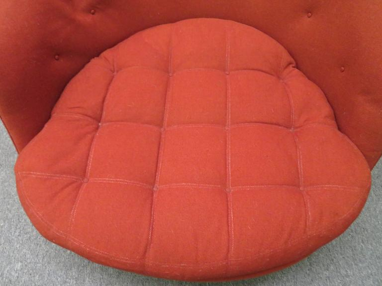 Lovely Scale Milo Baughman Round Swivel Lounge Chair