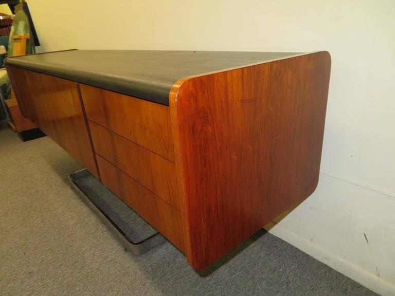 Fabulous Rosewood and Chrome Credenza by Ste. Marie & Laurent In Good Condition For Sale In Medford, NJ