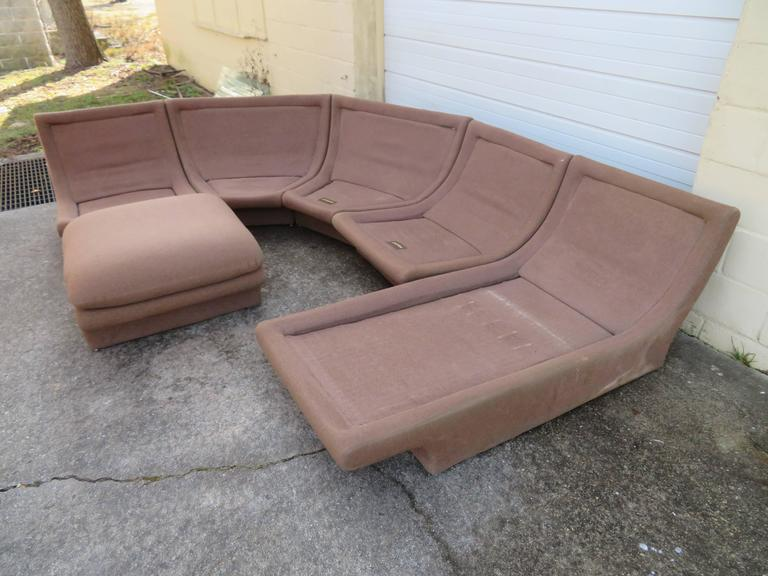 Upholstery Fantastic Six-Piece Sectional Sofa by Preview For Sale