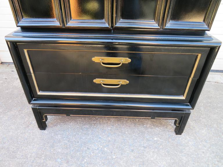 Beau American Stunning Chinoiserie Style Lacquered Tall Dresser Cabinet  Mid Century Modern For Sale