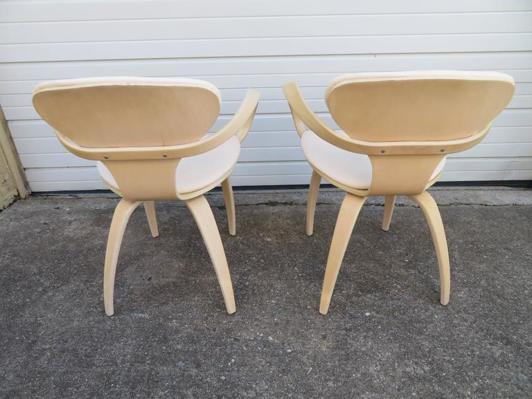 American Lovely Pair of Norman Cherner Plycraft Pretzel Chairs, Mid-Century Modern For Sale