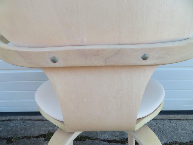 Lovely Pair of Norman Cherner Plycraft Pretzel Chairs, Mid-Century Modern For Sale 1
