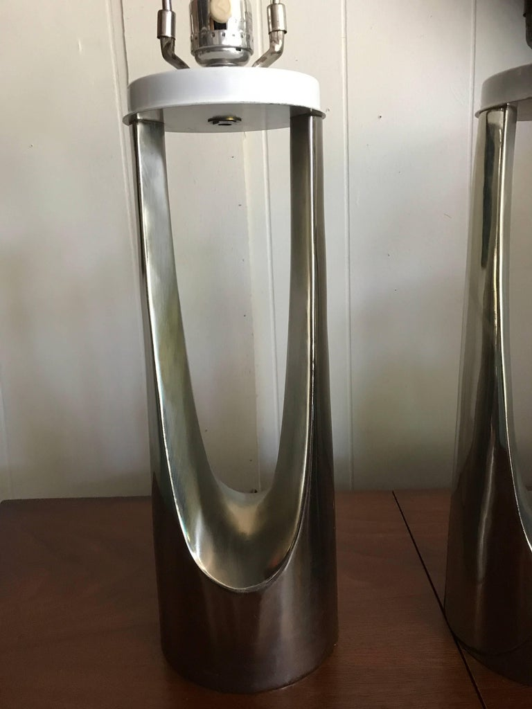 Gorgeous Pair of Chrome Laurel Hairpin Lamps, Mid-Century Modern For Sale 3
