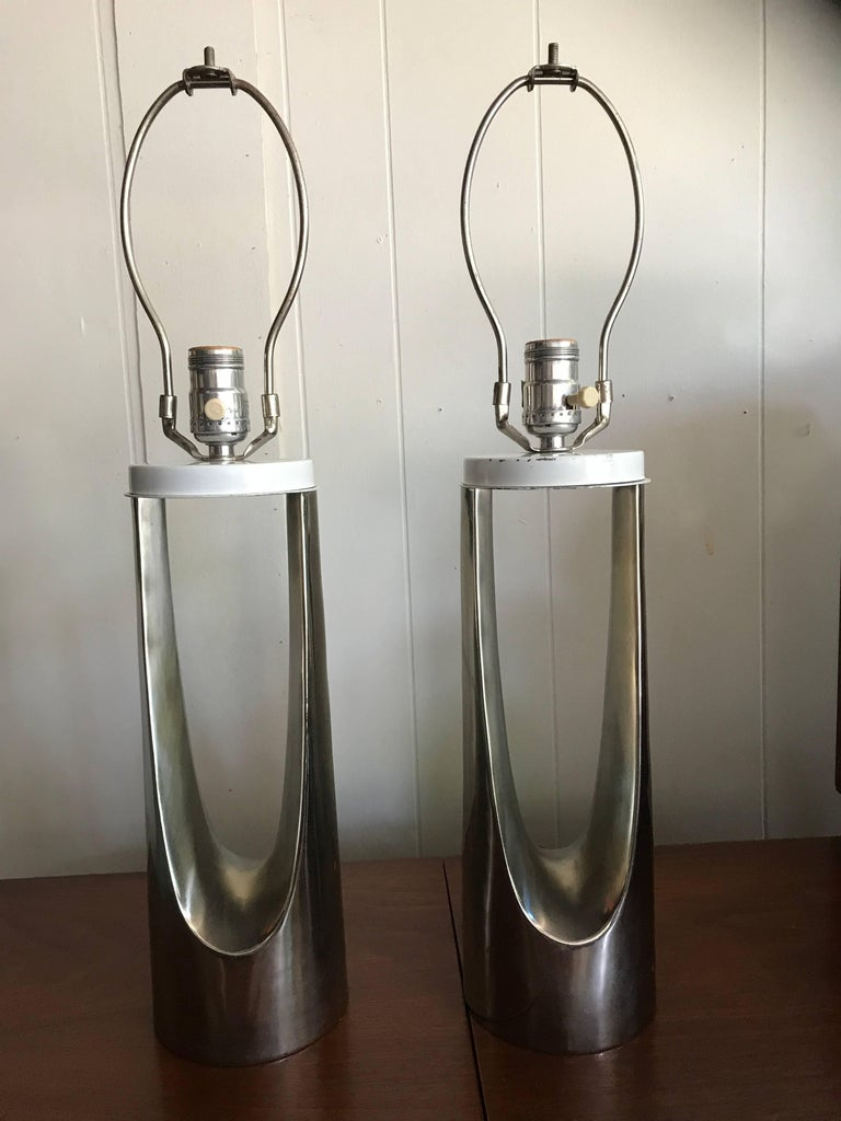 Gorgeous Pair of Chrome Laurel Hairpin Lamps, Mid-Century Modern For Sale 4