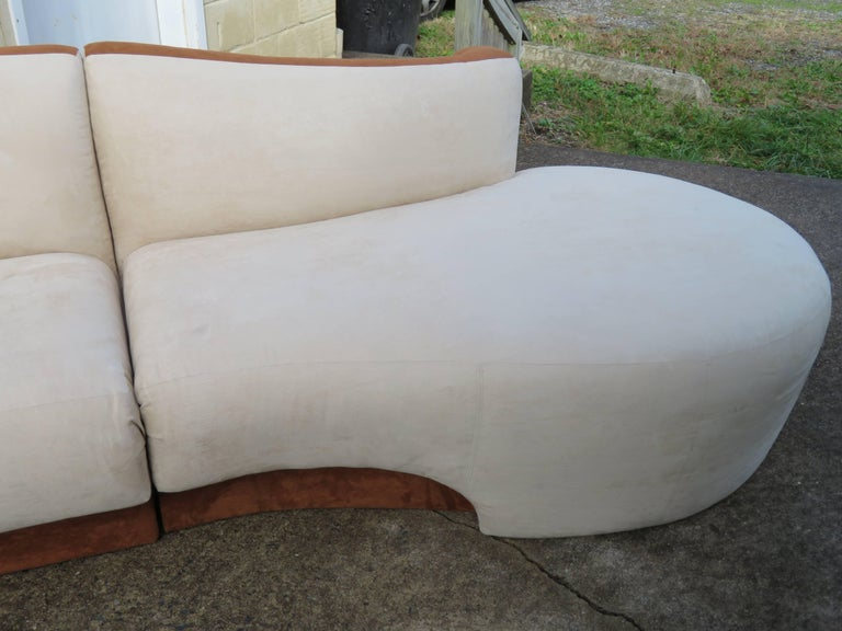 Four-Piece Curved Serpentine Sectional Sofa Weiman In Good Condition For Sale In Medford, NJ
