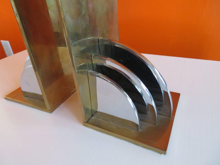 Gorgeous Pair of Walter Von Nessen Attributed Brass Bookends, Mid-Century Modern In Good Condition For Sale In Medford, NJ