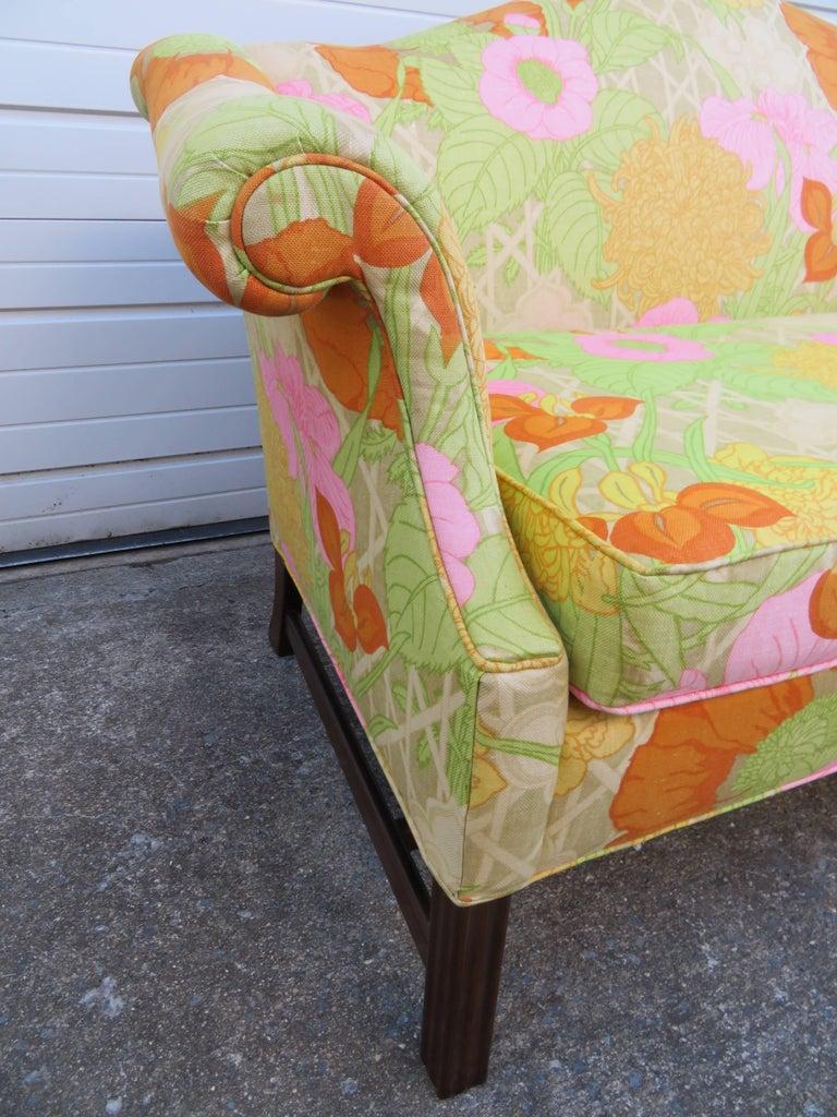 Wonderful Flowered Linen Chippendale Style Camelback Loveseat Sofa, Midcentury For Sale 1