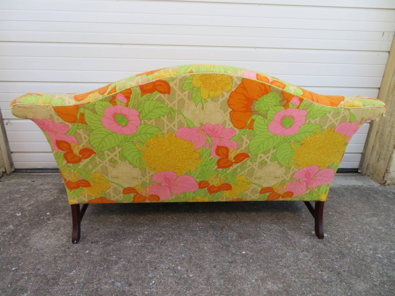 Wonderful Flowered Linen Chippendale Style Camelback Loveseat Sofa, Midcentury In Good Condition For Sale In Medford, NJ