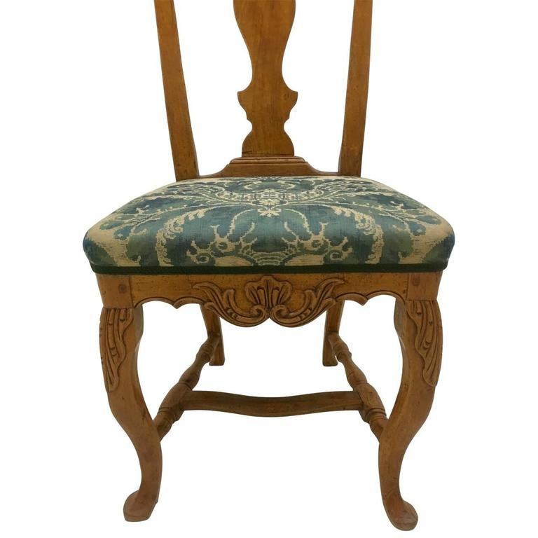 Mid-18th Century Pair of Danish Rococo Dining Room Chairs For Sale