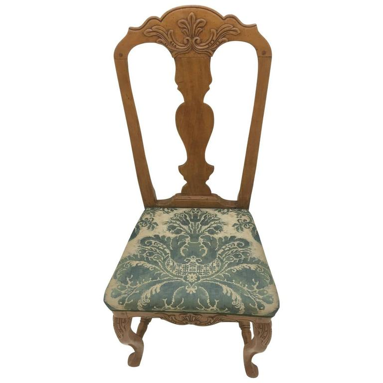Pair of Danish Rococo Dining Room Chairs In Good Condition For Sale In Haddonfield, NJ