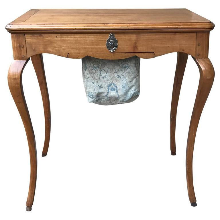 18th Century Regency Vanity Table In Good Condition For Sale In Haddonfield, NJ