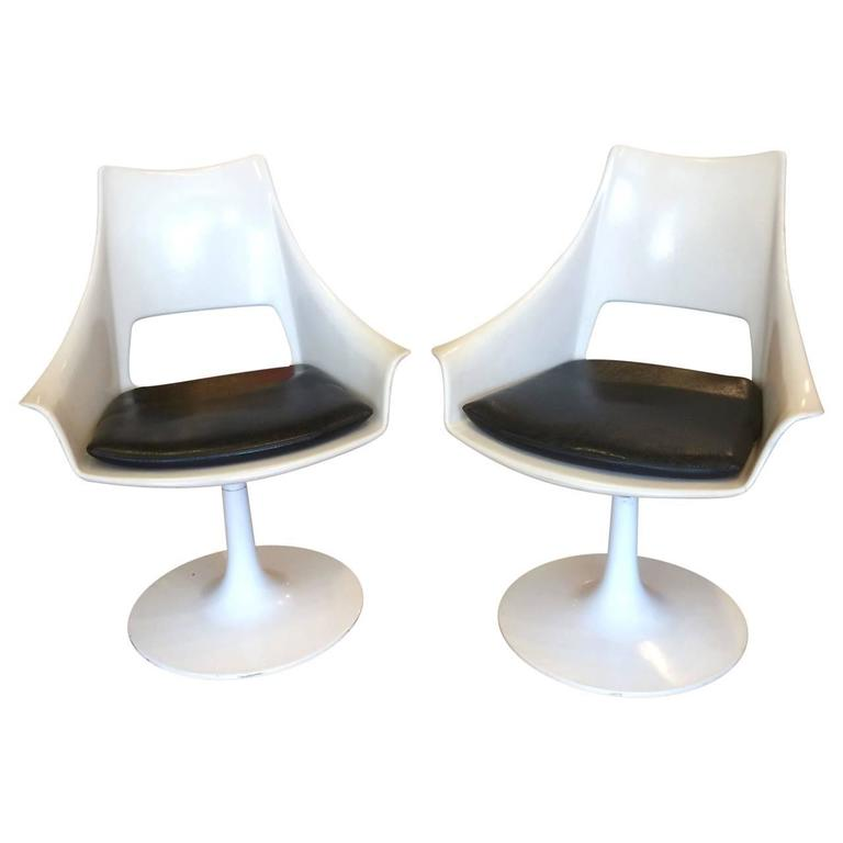 Powder-Coated Set of Four White Mid-Century Modern Chairs For Sale