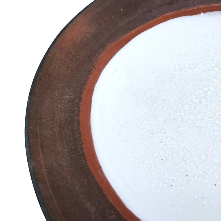 Large Mid-Century Modern Glazed Stoneware Charger Plate In Good Condition For Sale In Haddonfield, NJ
