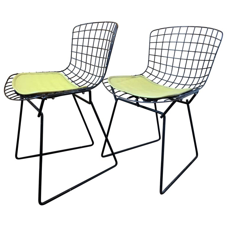 Pair of Smaller Black Wire Bertoia Children's Chairs with Yellow Fabric by Knoll In Good Condition For Sale In Haddonfield, NJ