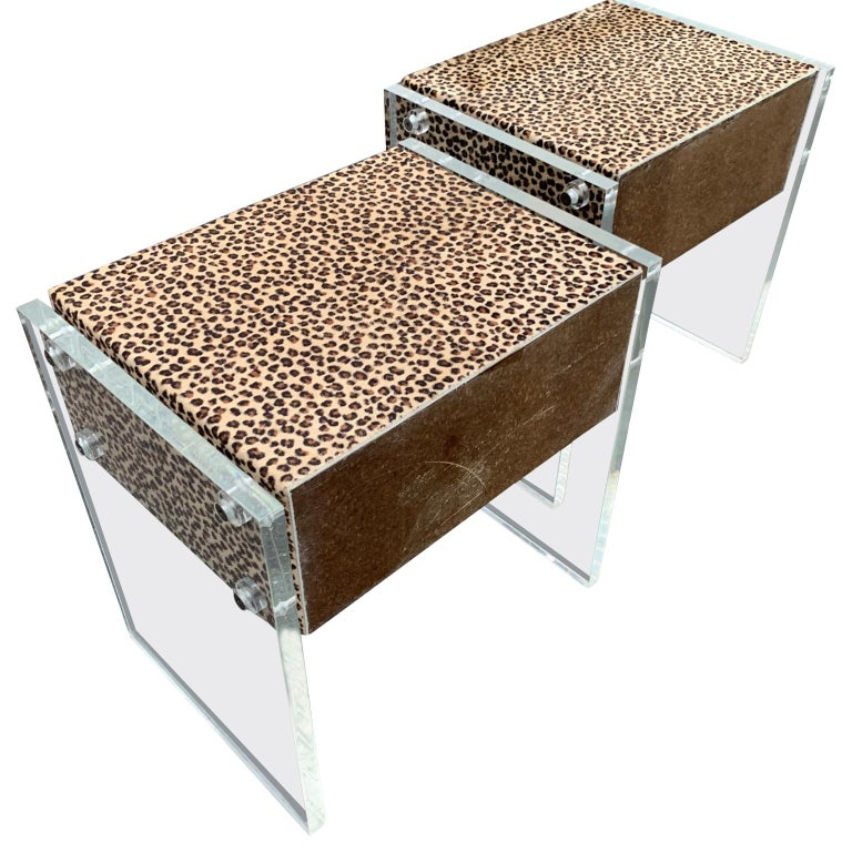 Pair of Faux Cheetah Skin Upholstered Nightstands with Lucite Side Panels In Good Condition For Sale In Haddonfield, NJ