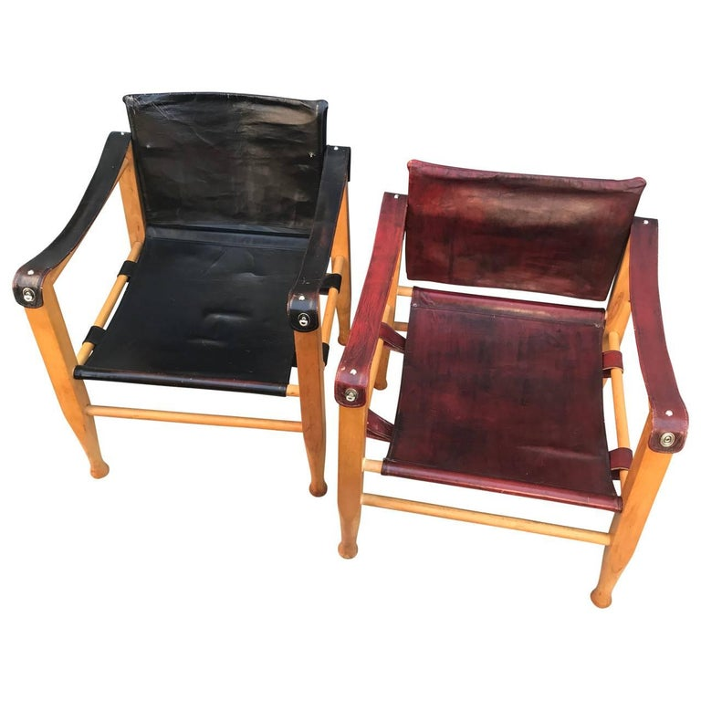 Set of Danish Two Mid-Century Modern Safari Chairs, One Red and One Black For Sale 1