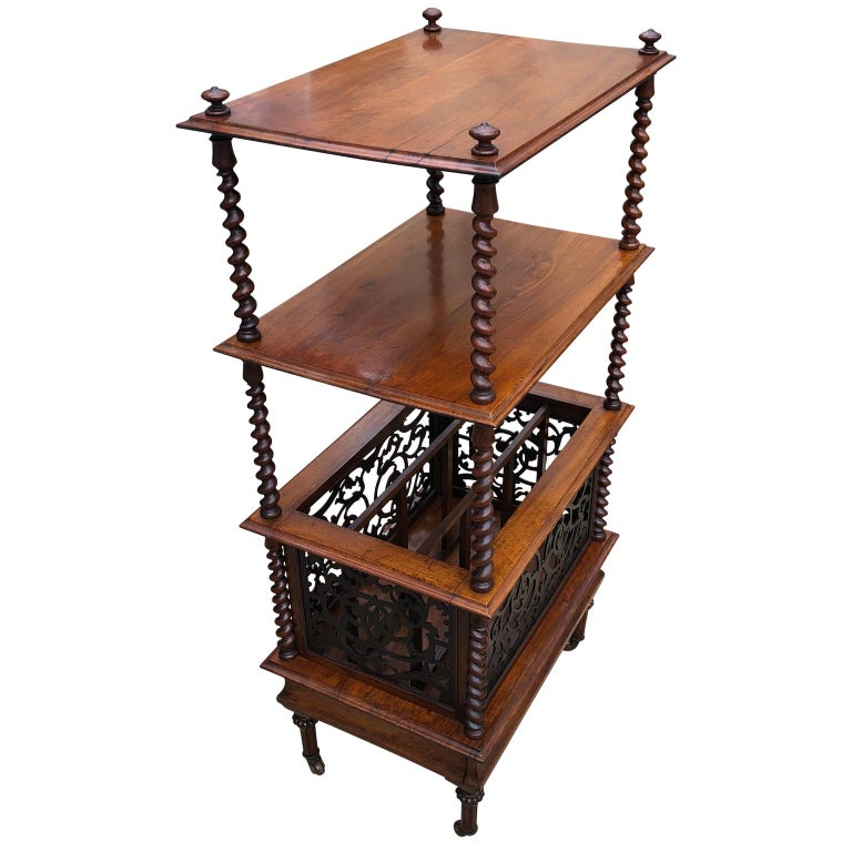 19th Century English Walnut Ètagerè and Music Stand For Sale 4