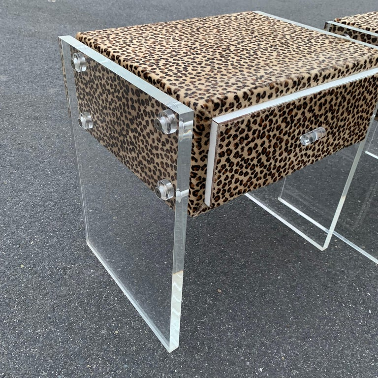 Pair of Faux Cheetah Skin Upholstered Nightstands with Lucite Side Panels For Sale 9