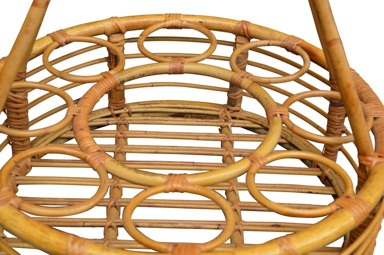 Rattan Picnic Wine Basket In Good Condition For Sale In Haddonfield, NJ